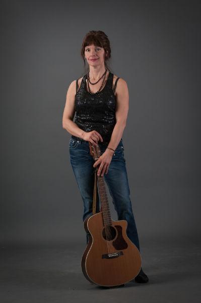 Elaine Holmes